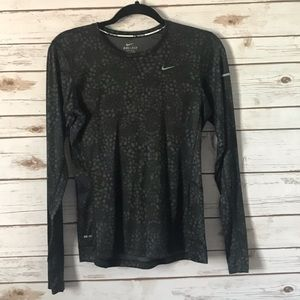 EUC Nike Dri-Fit Long Sleeve Shirt w/reflectors